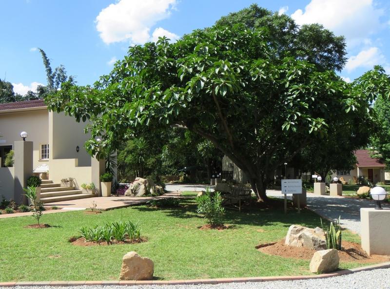 Lodge-Garden-Grounds
