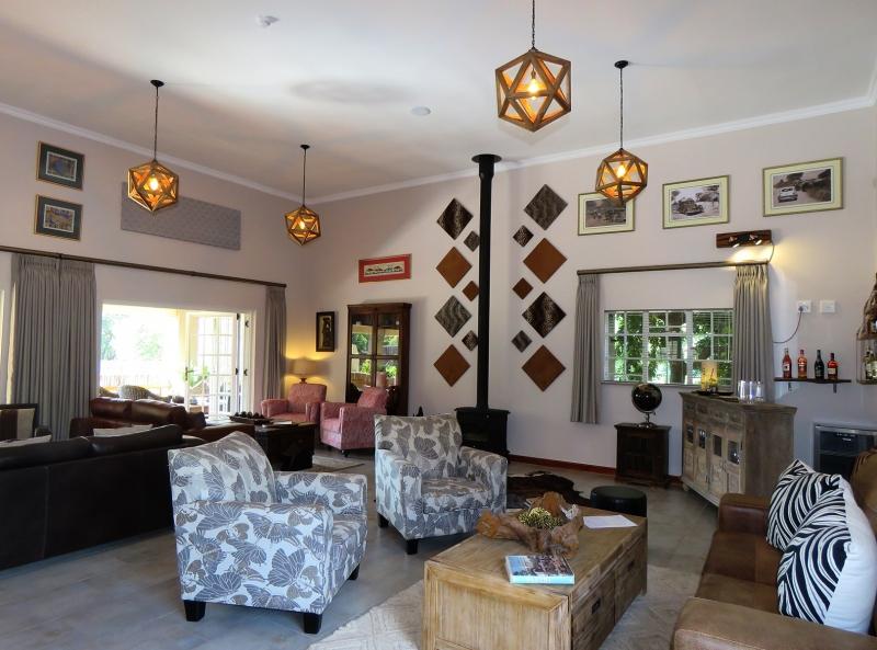 Guest-Lounge-Inside-2