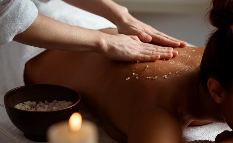 Salt-Massage